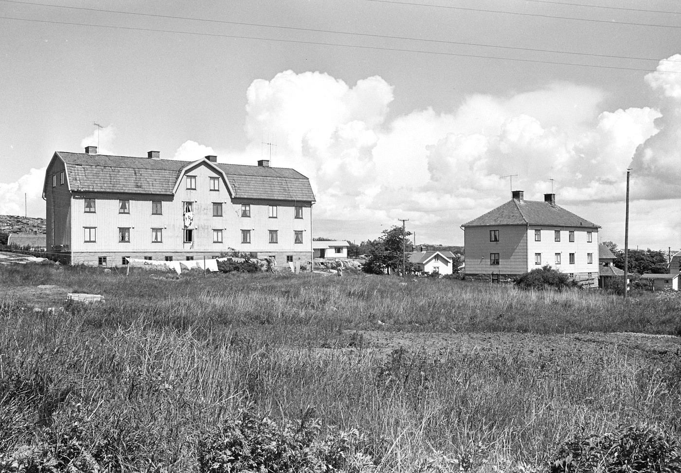 Foto Claes Funck 1968. Baracka, båda husen från söder, ungefär nuvarande Hästepotten.