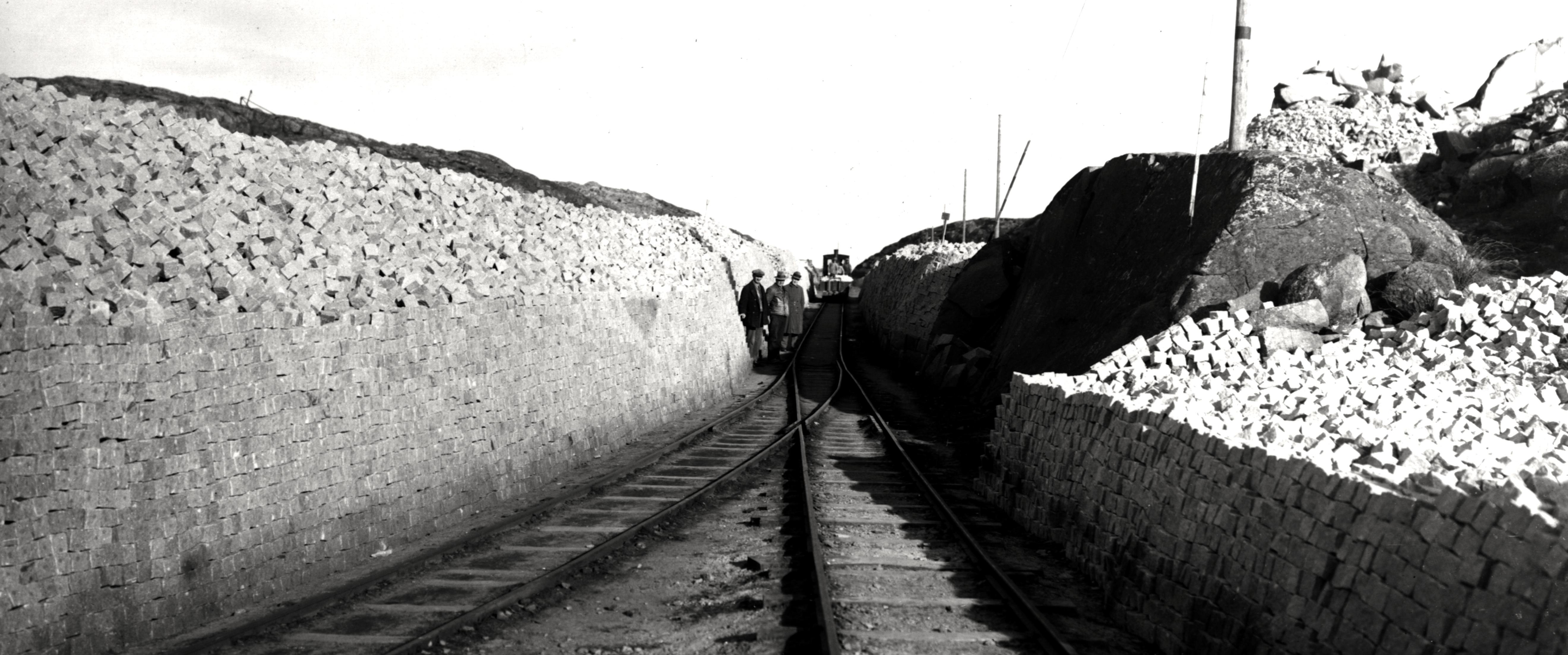 Gulldalen 1930-talet - J‰rnv‰gen och knottupplag